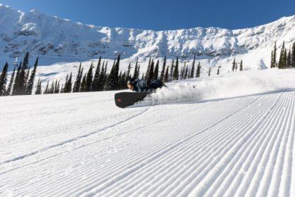 Snowboard Euro carve at Fernie Alpine Resort