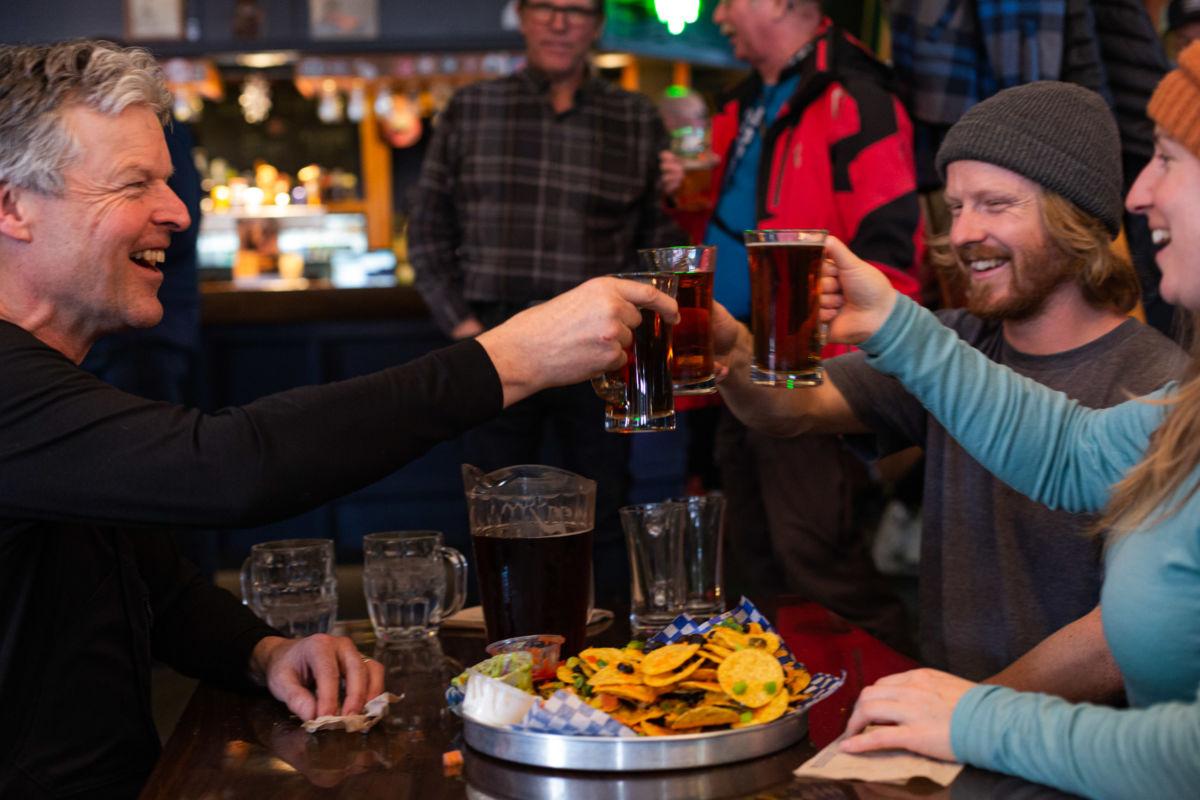 Griz Bar Cheers